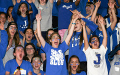 Seniors dance their way to victory on Fanatic Friday