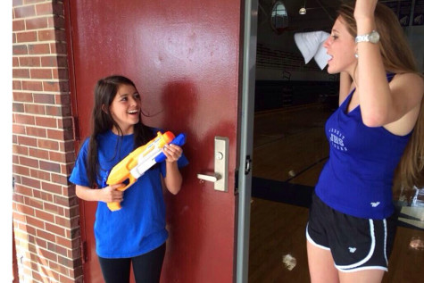 Seniors stock up on water guns and water balloons (STORIFY)