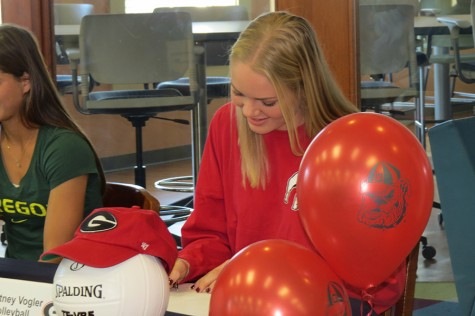 Courtney Vogler signs with Georgia