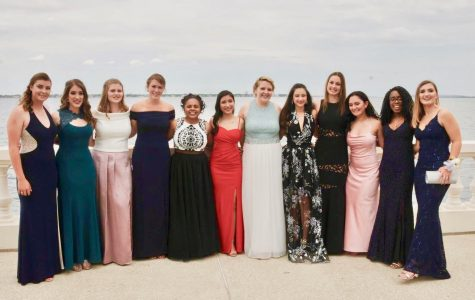 Prom 2017 Takes Place at Regent in Riverview