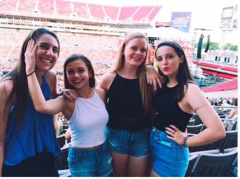 photo credits: Emily Orama Emily Orama and friends attend 1D concert at the Raymond James Stadium