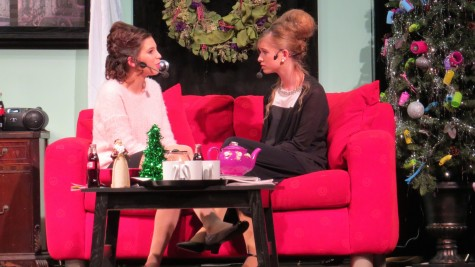 Julia Azank and Robin-Salor Zander play mother and daughter M'Lynn and Shelby.