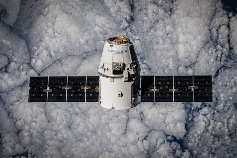 The CR-5 Dragon in orbit, as part of the 2015 ISS resupply mission. Photo Credit: SpaceX