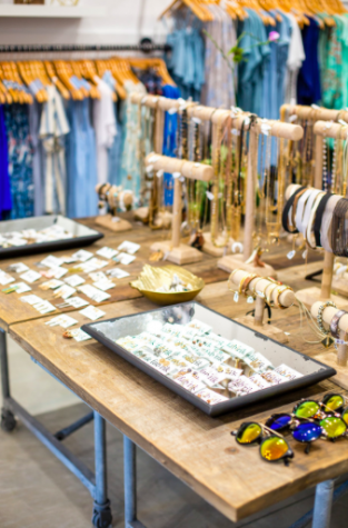 In addition to clothing, fab'rik has all types of necklaces, bracelets, rings, sunglasses, and much more. Photo credit: Samantha Lee Photography (used with permission)
