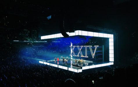 Big Artists, Bruno Mars, and Tim McGraw Play Their Hits at The Amalie Arena