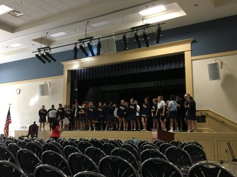 The Quarter Notes, the Jaguarettes, and dancers, Maddie Obregon ('18) and Alex Smith ('18) attended practice on the Wednesday before the show for an hour, led by Vivian Kimbler. (Photo Credit: Samantha Cano/Achona Online)